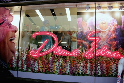 Dame+Edna+Everage+Launches+MAC+Cosmetics+Range+zmwo4yC3z4cl
